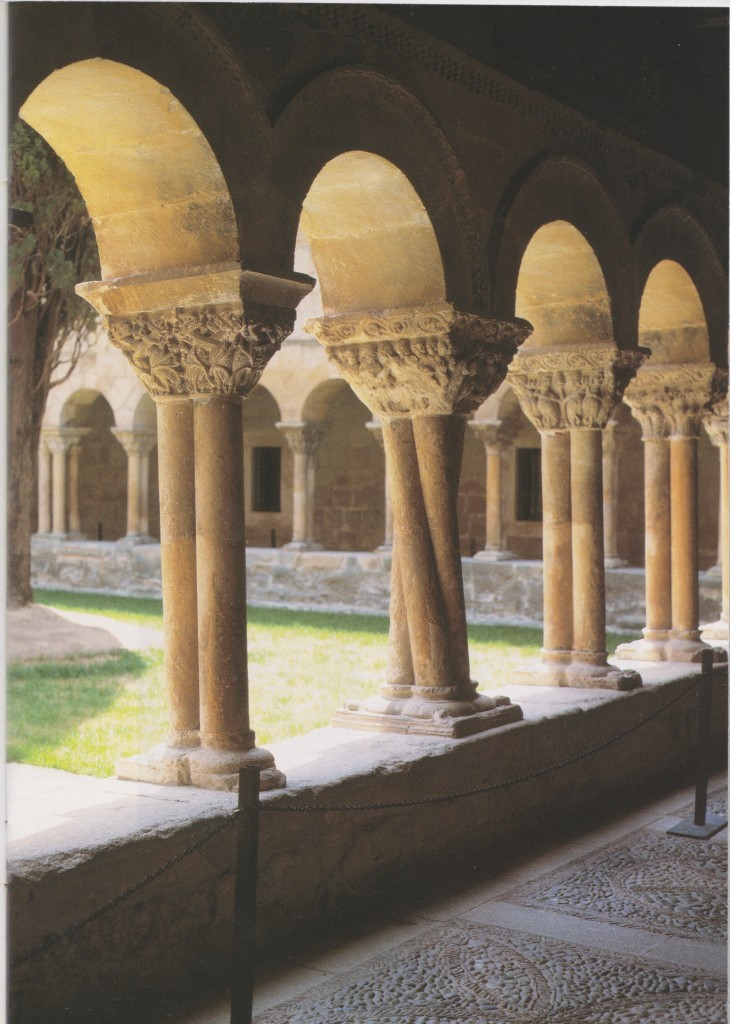 Colonne torse - Monastère de Santo Domingo de Silos (Espagne)