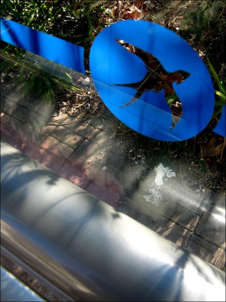 Une hirondelle fait l'automne - 2012 - Joëlle Colomar http://joellecolomar.eklablog.com/